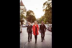 """Lucy van Kuhl und die """"Es-Chord-Band"""""""