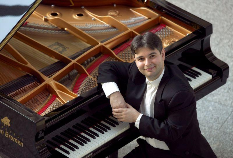Stanislav Boianov, Pianist