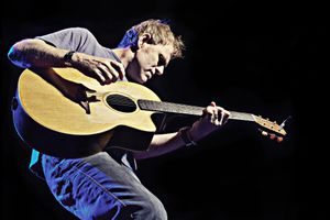 Vollmond-Lounge featuring  Martyn Joseph (UK)