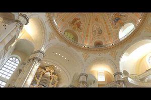 Kirchenführung und Orgelklang