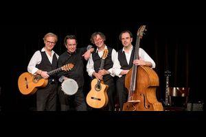 Das Essener Gitarrenduo im Quartett