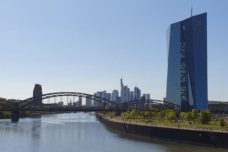 Frankfurt am Main mit Dreikönigskirche