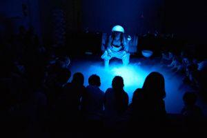 LIQUIDs - ab 3-10 J. - FUNDUS THEATER | Theatre of Research - WEIL WOCHENENDE: Wahrheit oder Wagnis