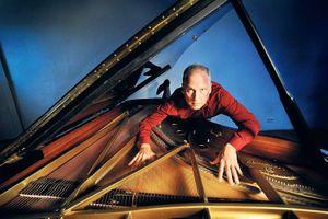 Offene Ohren @ MUG im Einstein präsentiert Improvisationsmusik in München Reinhold Friedl Solo