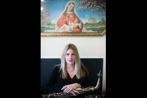 Carolyn Breuer plus Strings