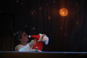 """DAS WEITE THEATER zeigt: """"Der kleine Weihnachtsmann"""""""