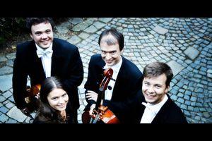 Bettina Geiger (Flöte) & Arisva Quartett