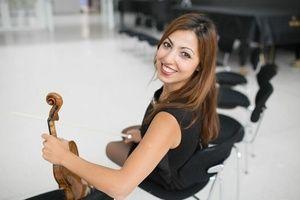 Rising Star: Farida Rustamova, Violine