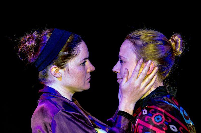 Die Zauberflöte - (Charlotte Welling und Sandra Welki)